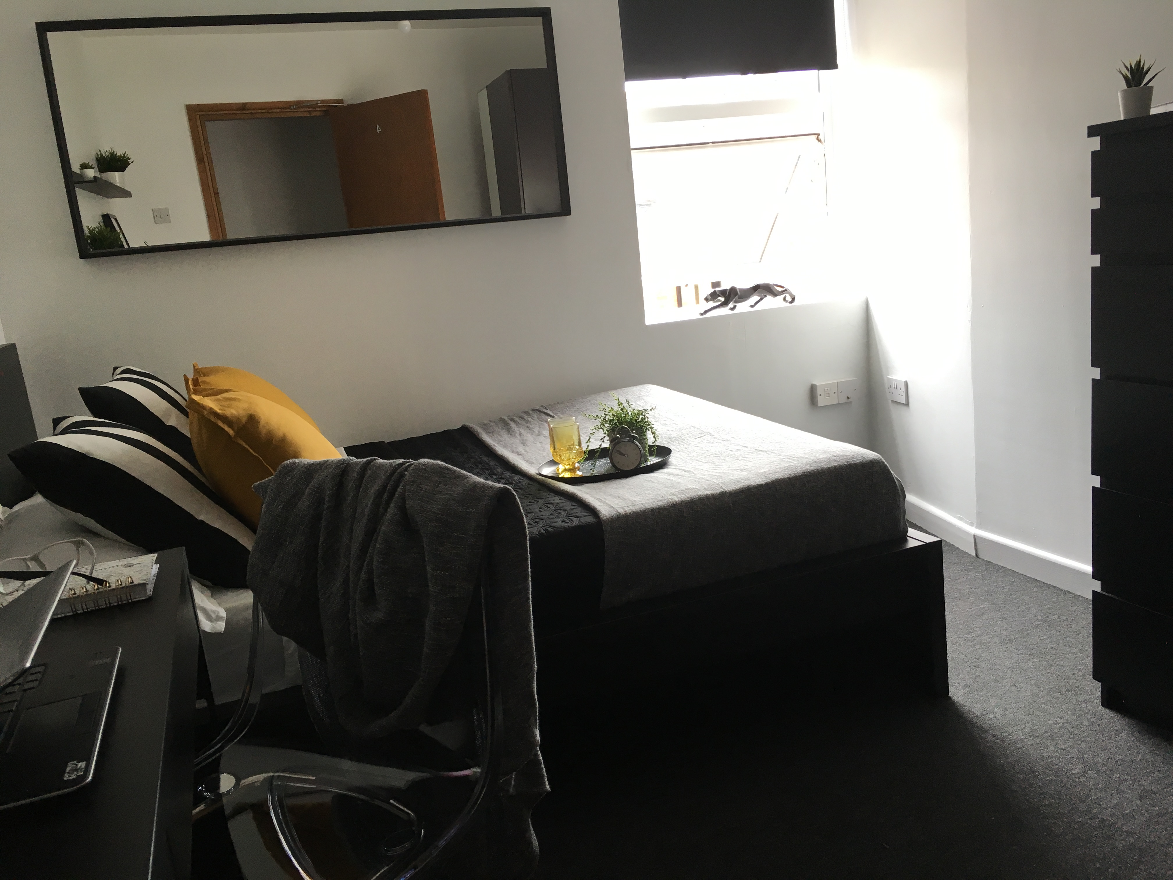 A modern double bedroom in Student Homes Derby student housing